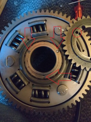 broken pins of clutch basket.jpg